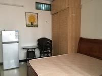 金太阳公寓业主直租,房子适合单人或情侣居住,有意向者随时可打电话咨询或看楼。