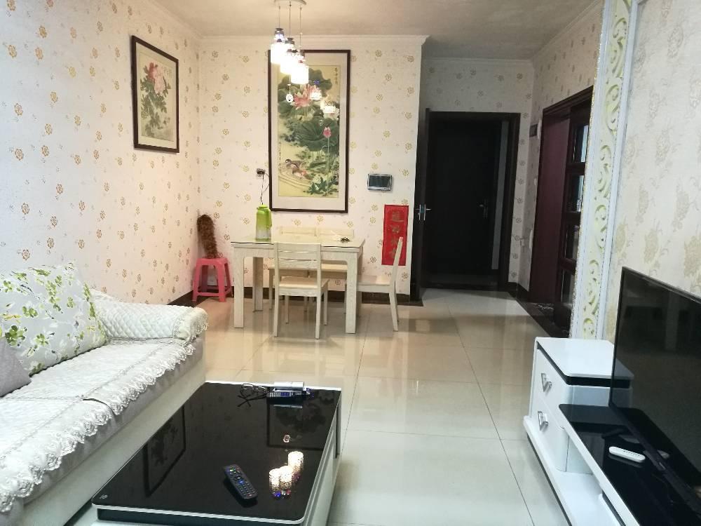 御龙湾 实拍图 温馨舒适3房2厅1卫 家私家电齐全 只租1600元
