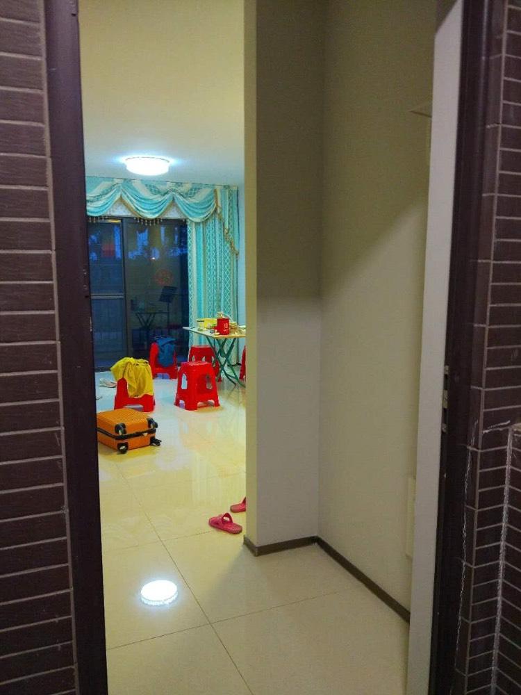 出租时代城3室2厅1卫81平米1300元/月住宅