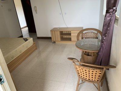 金芙蓉公寓2栋701 单身公寓 家私齐全 有电梯 750元/月