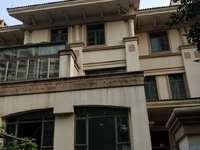 雅居乐3层别墅,大花园,环境舒适,南北通透,是你置业的首选。