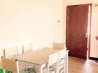 新岗路小区 精装2房 格局方正 小区环境优美 适宜居住 随时看房