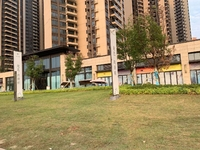 乐平龙江玖誉府1楼靓位置商铺出租,交通方便 繁华路段