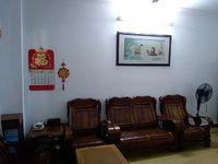 出租新华南路2室2厅1卫,家电家私齐全,房屋整洁,拎包入住
